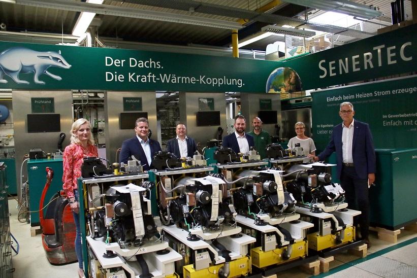 Die SPD zu Besuch bei SenerTec, von links: Marietta Eder, Carsten Träger (beide SPD), Hagen Fuhl (Prokurist SenerTec GmbH), Markus Hümpfer (SPD), Gunter Grosch (Betriebsratsvorsitzender SenerTec GmbH), Sabine Dittmar (SPD) und Dr. Josef Wrobel (Geschäftsführer SenerTec GmbH).